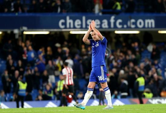 Terry_applauso_Chelsea