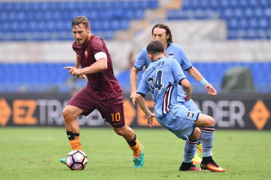 Totti_Torreira