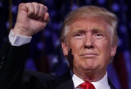 Trump_Pugno_R439