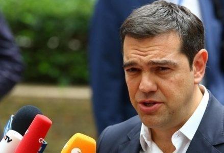 Tsipras_Microfoni_R439