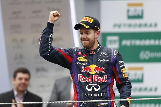 Vettel_pugno