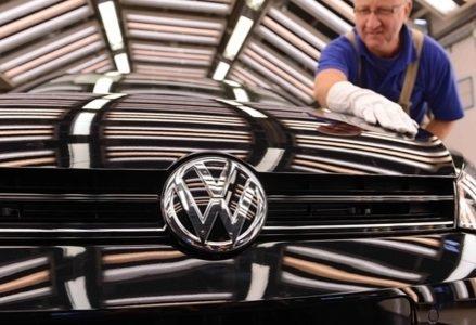 Volkswagen_CalandraR439