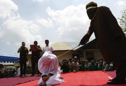 aceh-frustate-sharia_R439