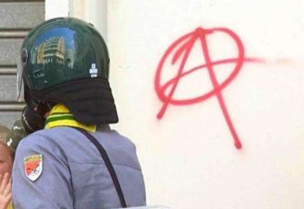 anarchia_scontri1R439