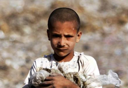 bambino_pakistan_r439