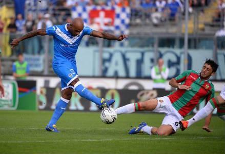 fae1b7659 Video Brescia-Pro Vercelli (risultato finale 2-1): gol, sintesi e  highlights della partita (Serie B 2014-2015, 9^giornata)