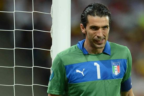 buffon_italia_palo