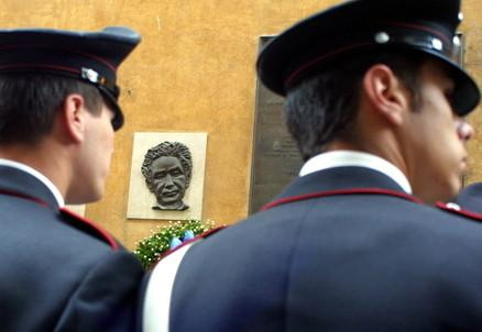 carabinieri_spalleR439