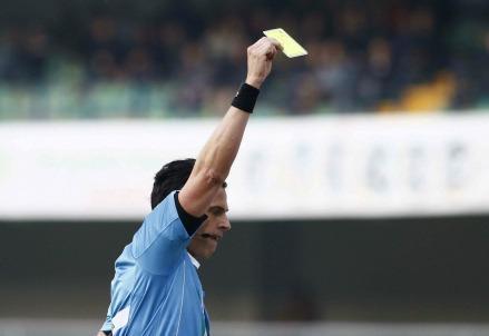 cartellino-giallo-arbitro