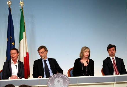 Redditi dei politici ecco quanto guadagnano renzi grillo for Sito parlamento italiano