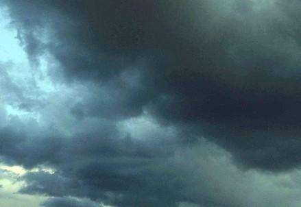 cielo_nuvolegrigieR400