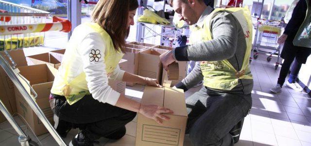 colletta_alimentare_volontari_scatoloni
