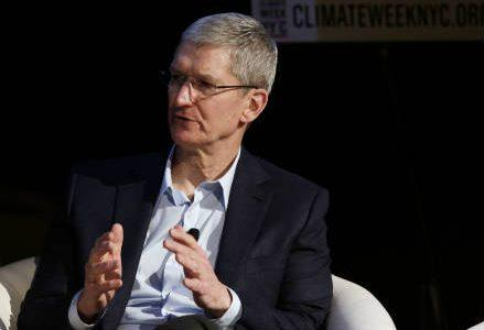 cook_apple_ceo_r439