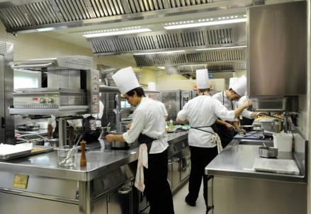 cuochi_al_lavoro_ristoranteR439