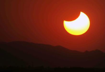 eclissi_solare_r439