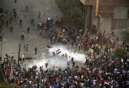 egitto-cairo-proteste-contro-morsi-decreti-corte-costituzionale