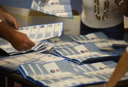elezioni_schede_seggi