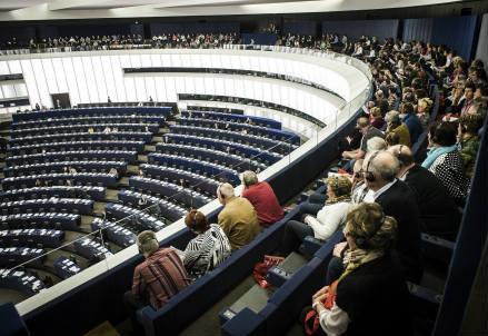europa_parlamento_r439