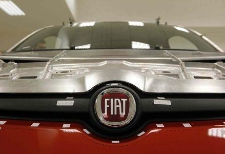 fiat_logo_auto_in_fabbrica_phixr