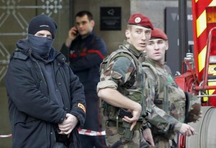 francia_polizia_terrorismo2R439