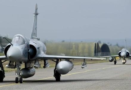 guerra_aereo_attaccoR400