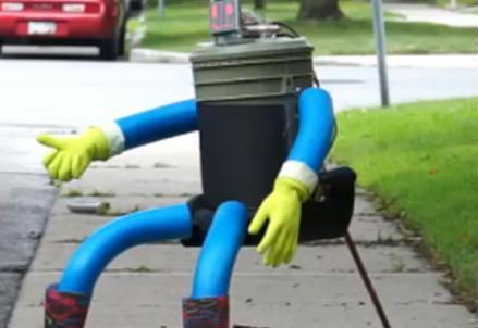 hitchbot_robot_r439