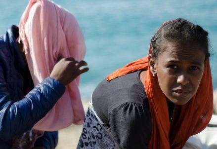 immigrazione_donne_sbarchiR439
