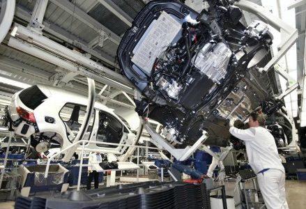 impresa_fabbrica_industria_azienda_catena_di_montaggio_settore_produttivo