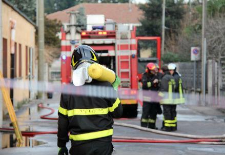 incendio_vigili_r439