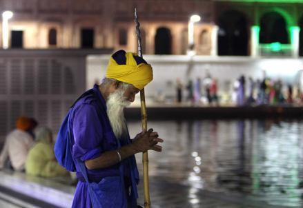 india_tempio_guru_r439