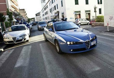 infophoto_auto_polizia_R439-1