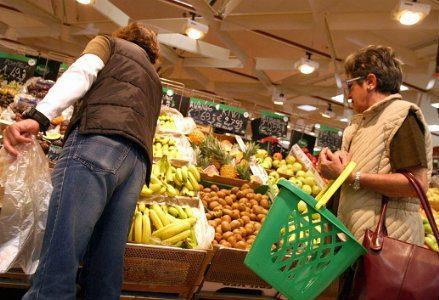 infophoto_famiglia_supermercato_spesa_famiglia_crisi_R439