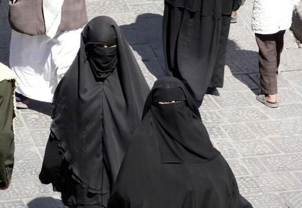islam_iran_donne_veloR439