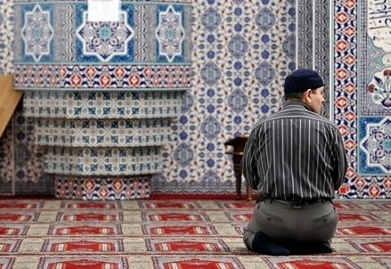 islam_preghiera_europaR439