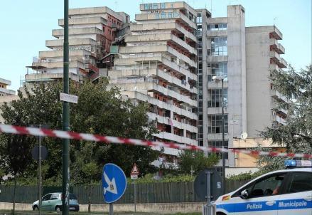 italia_scampia_povertaR439