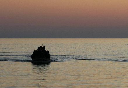 mare_tramonto_barcaR400
