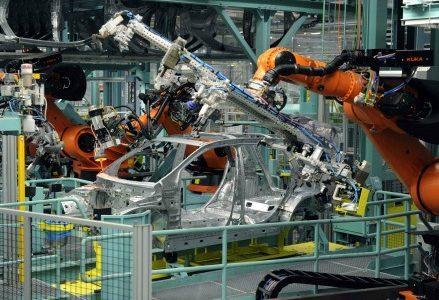 mercedes-hi-tech-impresa-fabbrica-catena-montaggio
