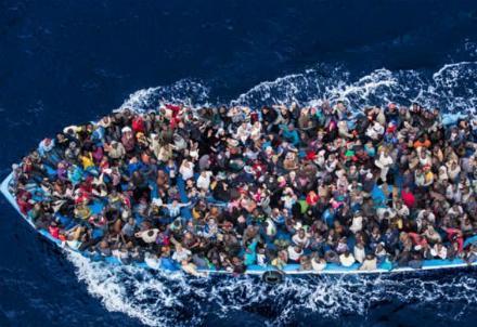 migranti-barcone_R439