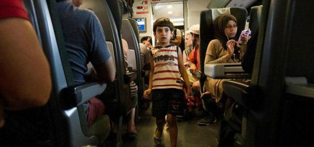 migranti_bambino_trenoR439