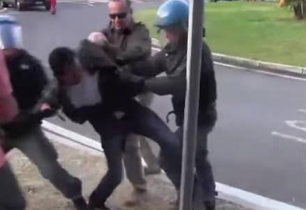 migranti_polizia_r439