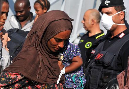 migranti_sbarchi_donnaR439
