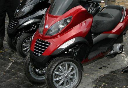 mp3_piaggio_scooter_r439