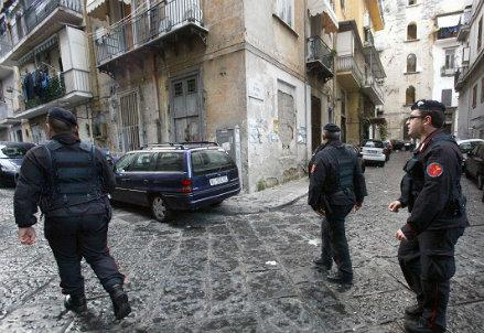 napoli_polizia_R439