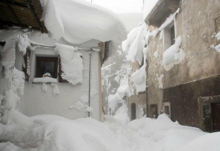 neve_abruzzo_terremoto2R439