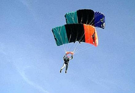 paracadutista_R439