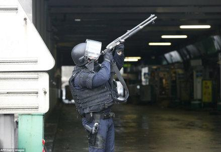 parigi-polizia_R439