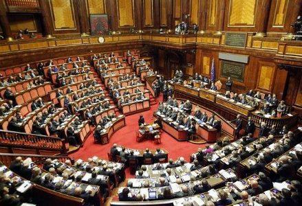 parlamento_ok_R439