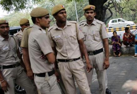 polizia-indiana_R439