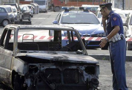 polizia_auto_incendioR439