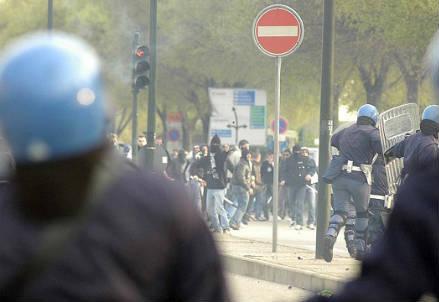 polizia_scontri
